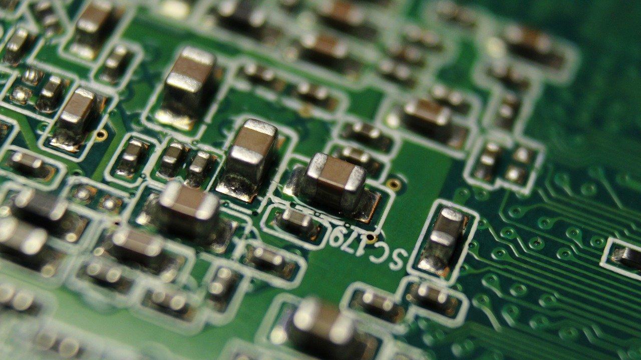 tech-4907766_1280
